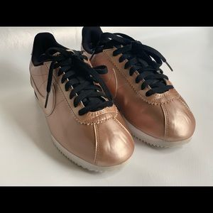 Nike air classics pink